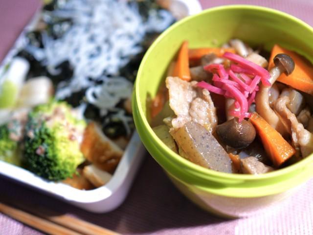 豚バラこんにゃく煮弁当